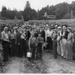 p972_group-of-farmers_67a8e6399b.tif