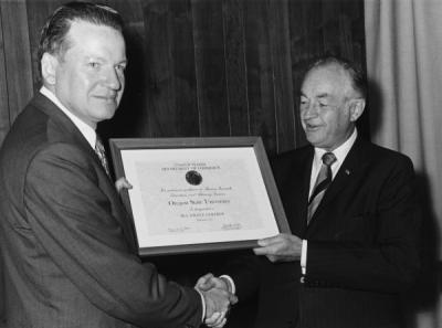 President Robert MacVicar and Secretary of Commerce Maurice Stans at the OSU Sea Grant Designation Ceremony, September 1974.