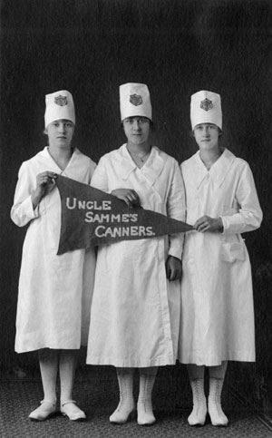 """Uncle Samme's Canners"" from Tillamook County, State 4-H Champions, 1919."