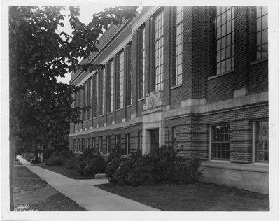 Graf Hall, 1925