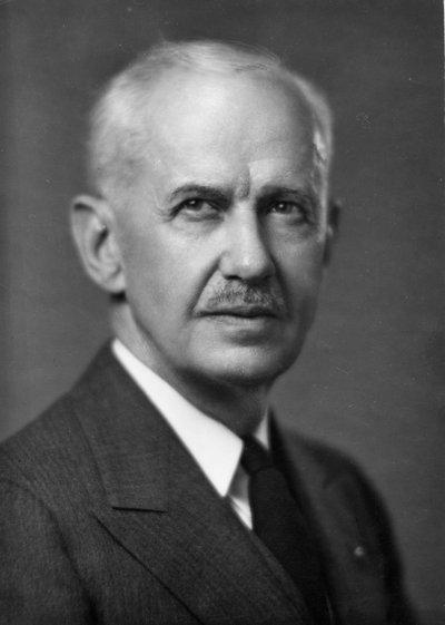 Black and white photographic portrait of George Wilcox Peavy.