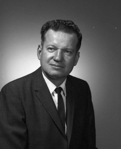 Black and white photographic portrait of Robert William MacVicar.