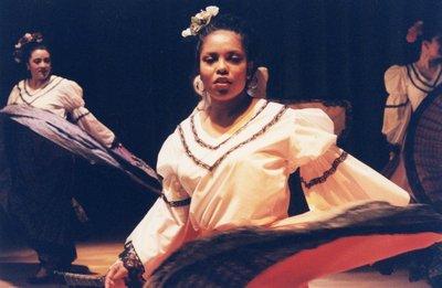 Cinco de Mayo women dancers